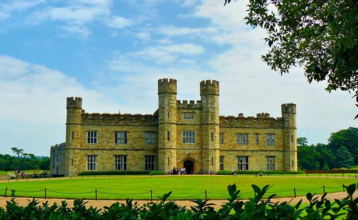LEEDS CASTLE, CANTERBURY, CLIFFS OF DOVER AND GREENWICH TOUR WITH THAMES CRUISE