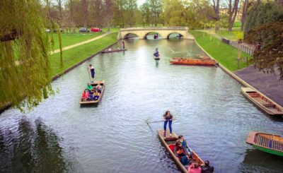 OXFORD AND CAMBRIDGE WITH PICNIC LUNCH